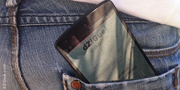 Smartphone dans la poche